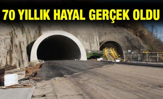 Salarha Tüneli'nin Bir Tüpü Tamamlandı