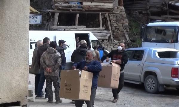 Yanan köyden çağrı: Yardımlar bize yetti, başka ihtiyaç sahiplerine gönderin