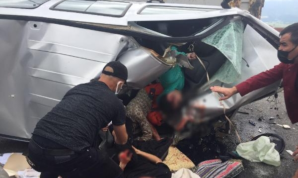 Tuvaletini Yapmak İçin Duran Kamyon Şoförü Kazaya Neden Oldu: 1 Ölü, 2 Yaralı