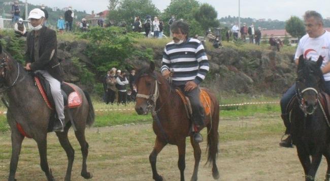 Trabzon'da Rahvan At Yarışları Yapıldı