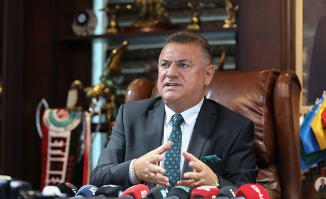 Hasan Kartal, Çaykur Rizespor Kulübü Başkanlığı'ndan İstifa Etti
