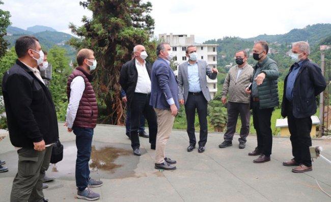 Milletvekili Bak, Ziraat Botanik Çay Bahçesini İnceledi