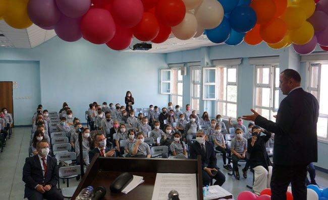 Rize'de 'İlköğretim Haftası' Düzenlenen Törenle Kutlandı