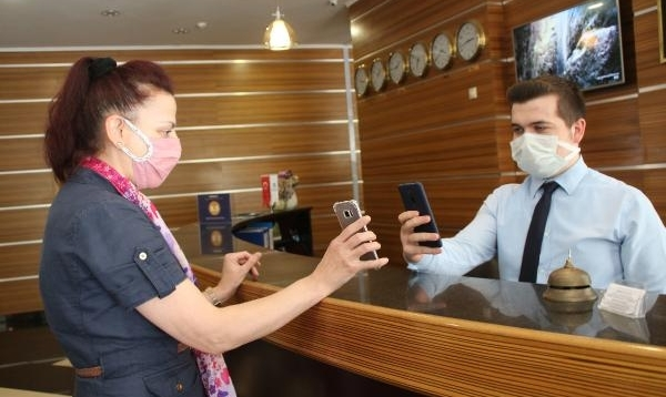 Rize'de turizm tesislerinde aşılı misafirlere indirim kampanyası