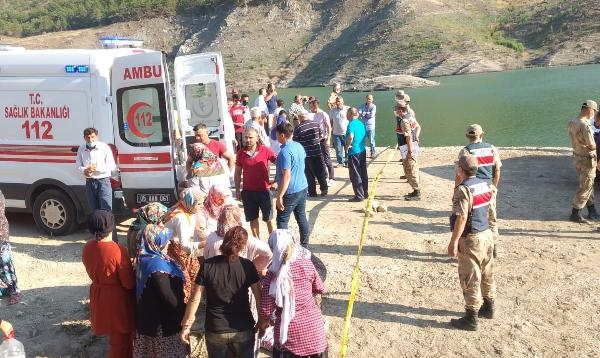 Aynı aileden 5 kişi barajda boğuldu