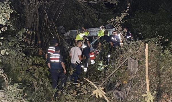 Bartın'da kaza yapan otomobil yandı: 1 ölü, 2 yaralı