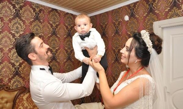 Nikahta çift, düğünde 3 kişi oldular
