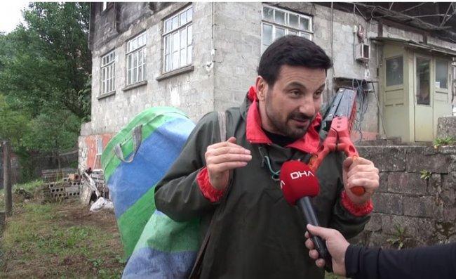 Davut Güloğlu Rize'de çay topladı